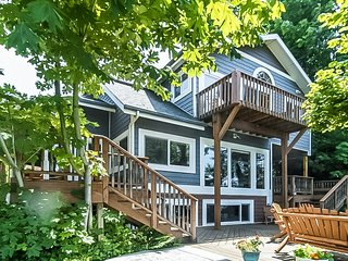 Lower-level dwelling in a riverfront home w/ shared dock & scenic views!