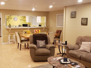 Galveston Vacation - Centrally located, family & pet friendly