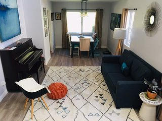 Cozy kids-friendly 4BR home in central and convenient location