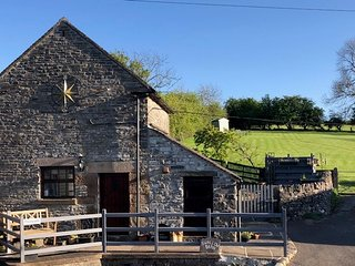 Cosy 1 bedroom barn conversion in beautiful secluded Peak District location