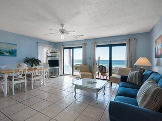 Gorgeous, Open Ground Floor Condo! Gulf Front w/ Large Patio. Beach Access!