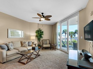 2nd Floor Beautiful, coastal Condo, Resort amenities, Close to entertainment