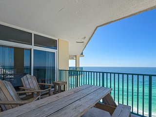 Cozy bay view condo, Beach setup included, Convenient to shopping