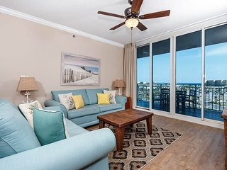 Picturesque Condo At Waterscape! Children's Playground, 2 Hot Tubs