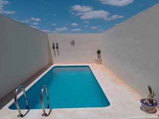 Casa Luna, Spacious 4 bedroom townhouse with private swimming pool!!!