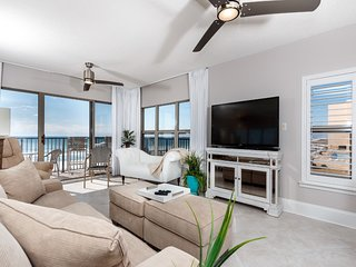 Lovely Unit w/ Great Amenities, Gulf View, Private WiFi, Large Balcony!