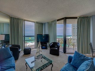 Coastal corner condo w/ sweeping panoramic views of the Gulf!