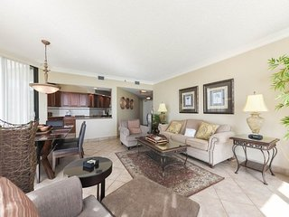 Elegant & coastal condo w/ stunning views of the Gulf!