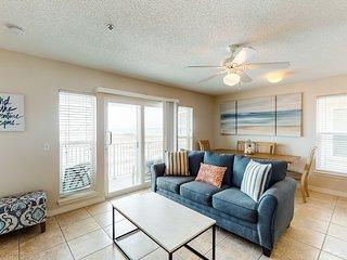 New listing! Bright condo w/ shared pool, beach access, & central location!