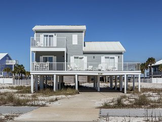 Navarre Beach private home 450ft to water w/ deck and balcony!