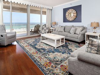 Updated 3rd floor condo w/ beach access and expansive gulf views!