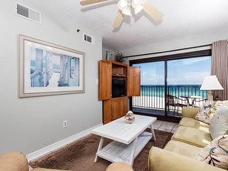 3rd Floor Gulf-Front Condo! Beach Service Included, Shared Pool and More!