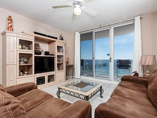 Open Condo, On-Site Pool & Hot Tub, Gulf-Front Balcony, On The Beach