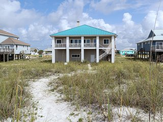 Beach front home w/ direct beach access, expansive views, and more!