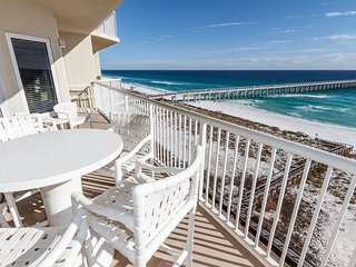 7th Floor Lovely Condo, Free-Wifi, On-Site Pool & Hot Tub, Gulf-Front