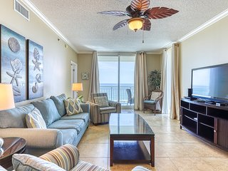 5th Floor Charming, Open Condo, Views, Beach Chairs Included