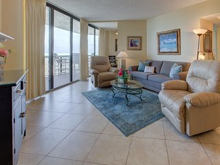 Expansive 11th-floor condo! Peaks of the Gulf! Pool & hot tub on-site!