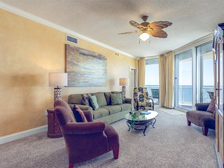 7th Floor Cozy, Open Condo, Views, Beach Chairs Included