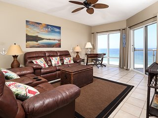 7th Floor Great Amenities, Direct Beach Access, Nearby Shopping & Dining!