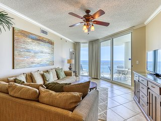 Inviting, Gulf Front Condo w/ Beach Setup Included, Near Entertainment