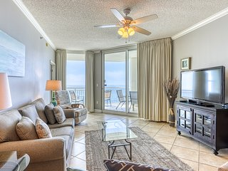 17th Floor Charming, Open Condo, Views, Beach Chairs Included