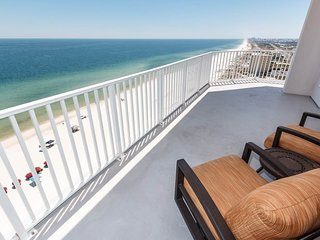 Coastal Condo w/ Private Cabana Included! Gulf-Front Pool!