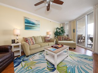 Comfortable Gulf Front Condo w/ 2 Beach Chairs Included, Short Walk To Dining