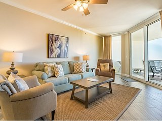 12th Floor Cozy, Open Condo, Views, Beach Chairs Included