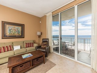 Cozy Condo, On-Site Pool & Hot Tub,, Beach Chairs & Umbrella, Beach Front