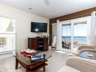 Dog-Friendly Vacation Rental In Navarre Beach, Gulf-Front Balcony