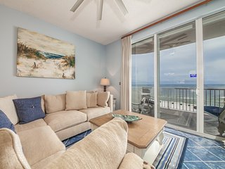 7th Floor Airy Condo, On-Site Pool & Hot Tub, On The Beach