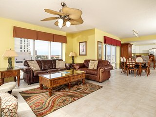 Condo In Pensacola Beach, Community Pools & Other Amenities!
