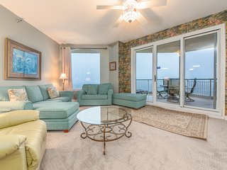 Gulf Front Condo! Large Terrace, Dog Friendly, Awesome Amenities!