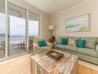 Inviting Condo w/ Gulf-Front Balcony, On-Site Pool, On The Beach
