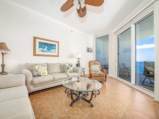 Condo w/ Hot Tub, Steps To The Beach, Beach Service Included