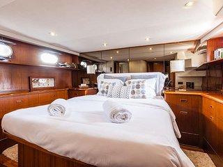 Chambres d'hôtes sur notre yacht Le Caloa à la nuitée, et mini croisières