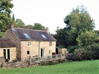 Delightful Cottage in Picturesque Peak District Village Setting