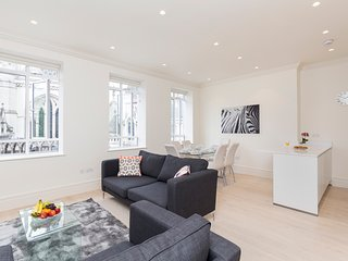 Amazing Views of London -  Super Central 3BR Flat