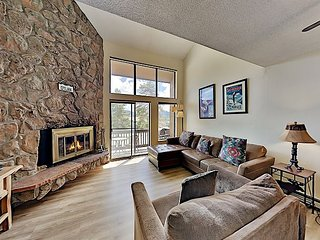 Meadow Ridge Gem on Free Shuttle Route: Heated Pool, Hot Tub & Steam Room