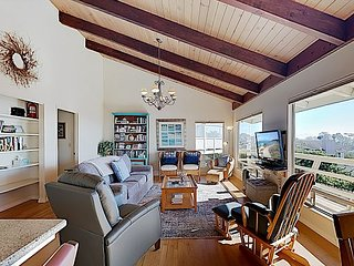 Updated Hilltop Home w/ Ocean View, Deck & Ping Pong Table - Near Embarcadero