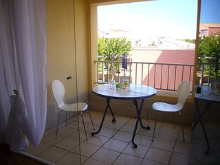 1 Bed Apartment / Centre Port