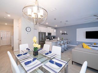 RP4833 TOWNHOUSE 4 BED/3 BA (SANITIZED)