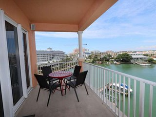 Pet Friendly Waterfront View, Close to Beach, W/D, Big Balcony, Pool, Hot Tub-60