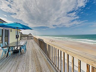 Hercules by the Sea: Waterfront Home w/ Direct Beach Access, Big Deck & Patio
