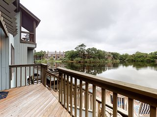 First floor villa w/ a private scenic dock on the lagoon - close to beach & park