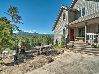 Hilltop Home w/ Panoramic Forest & Mountain Views!