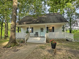 NEW! Broken Bow Cottage < 20 Mi to Beavers Bend!