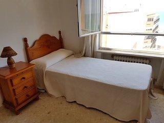 Habitación individual 1 (cama supletoria posible) es muy amplia