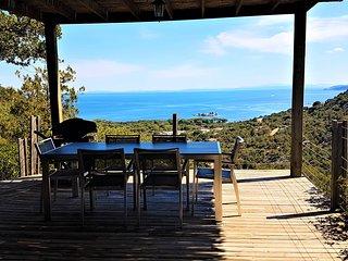 A ALTEZZA, maison 4 étoiles avec piscine, vue panoramique à PALOMBAGGIA
