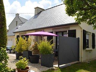 Quistinic maison classee 2** jardin et parking prives proche plage de Trestraou